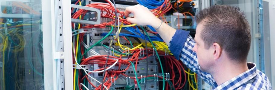 Netzwerktechnik und Verkabelung